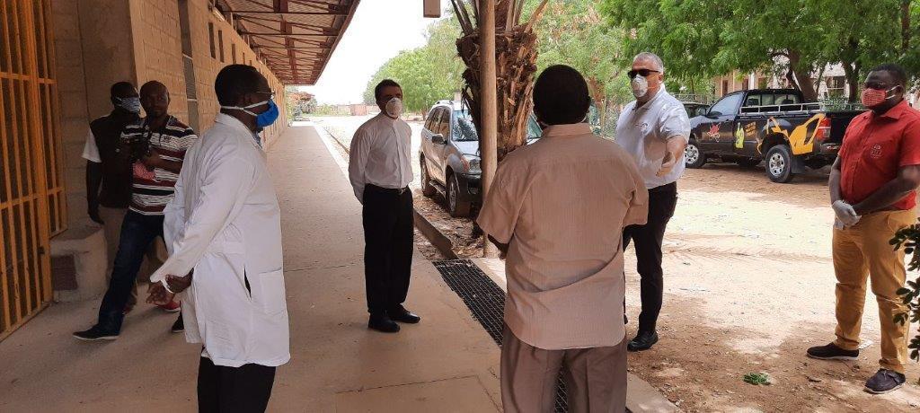 REMISE DE DONS par le DG des BDT,Jean-Marie Castro  AU CHU le Bon Samaritain du Tchad